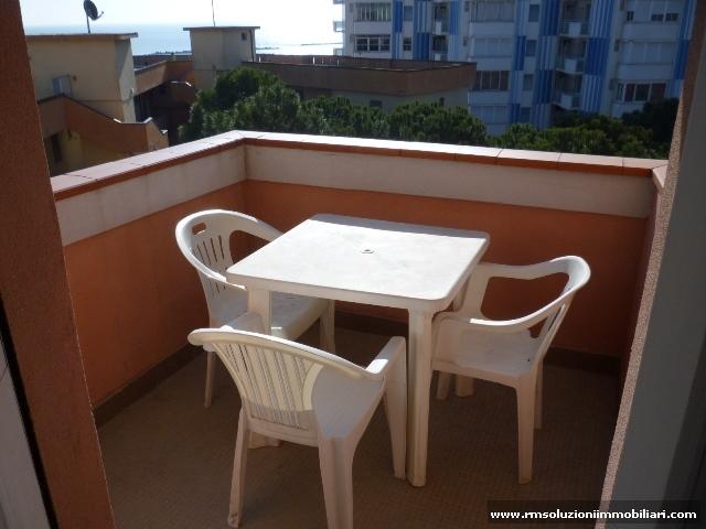 Affittasi sul Lungomare del Lido di Pomposa appartamento bilocale al quinto piano con bellissima VISTA MARE. - il balconcino abitabile