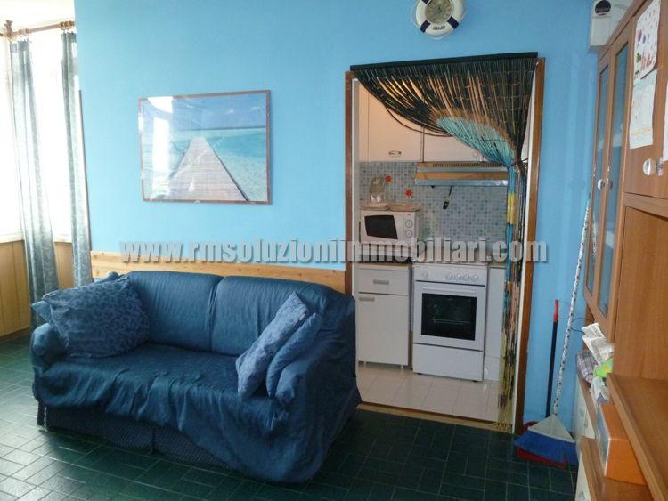 Tre locali con bellissima vista fronte mare in appartamento a 40 mt dalla spiaggia ai Lidi Ferraresi - il soggiorno/pranzo