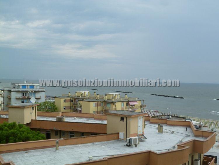 Tre locali con bellissima vista fronte mare in appartamento a 40 mt dalla spiaggia ai Lidi Ferraresi - la vista mare