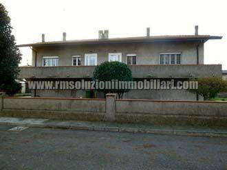 Villa - Quadrilocale e oltre - Entroterra